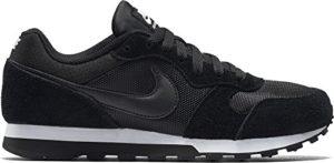 Nike Damen, Sneaker, Md Runner 2, Black (Black/Black-White), 39